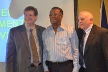 Monsieur Fritz joassin représentant de L'electrocom  S.A accompagné de Denis Wallace et Sgrignoli Garry deux autres intervenants venant de l étranger représentant la compagnie MSW.